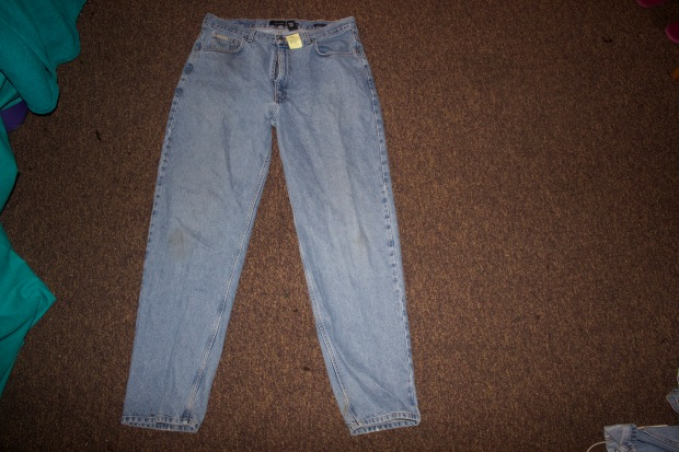 Thrift ripped jean DIY step 1 taylor M. Holmes Blaque Coffee Blog