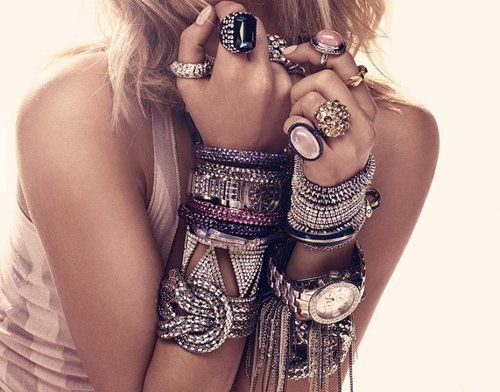 Over accessorize blaque coffee blog too much jewelry